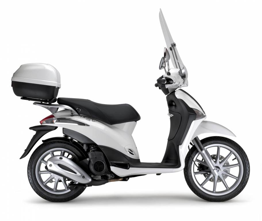 piaggio liberty 125 motocykle 125 opinie ceny porady. Black Bedroom Furniture Sets. Home Design Ideas