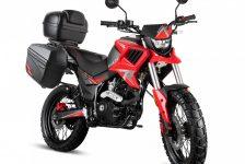 Dalekie podróże motocyklem tylko z prawem jazdy kategorii B – czy to możliwe?