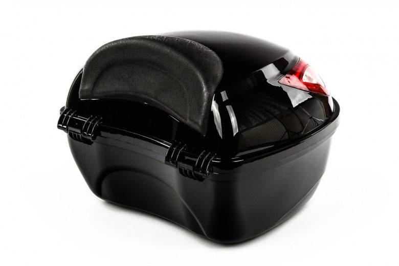Kufer-centralny-na-motocykl-skuter-bagaznik3